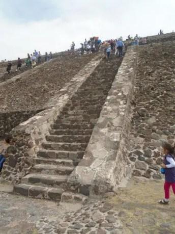 teotihuacan pyramids64
