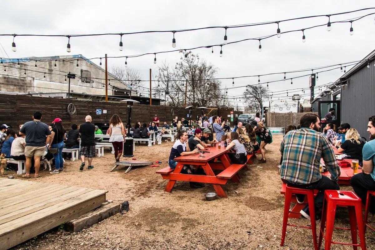 35 Dog Friendly Bars And Restaurants In Austin Texas
