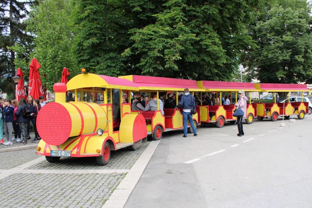 Туристический поезд. Фото: Елена Арсениевич, CC-BY-SA-3.0