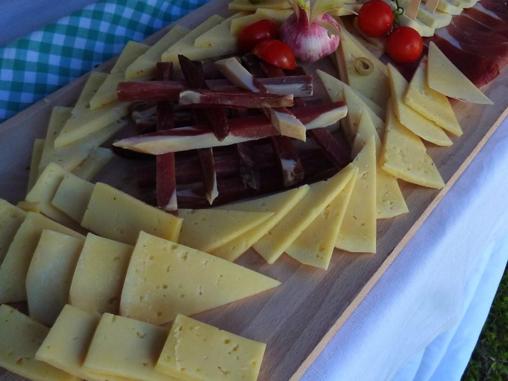 Ливаньский сыр и герцеговинский пршут. Фото: Елена Арсениевич, CC BY-SA 3.0