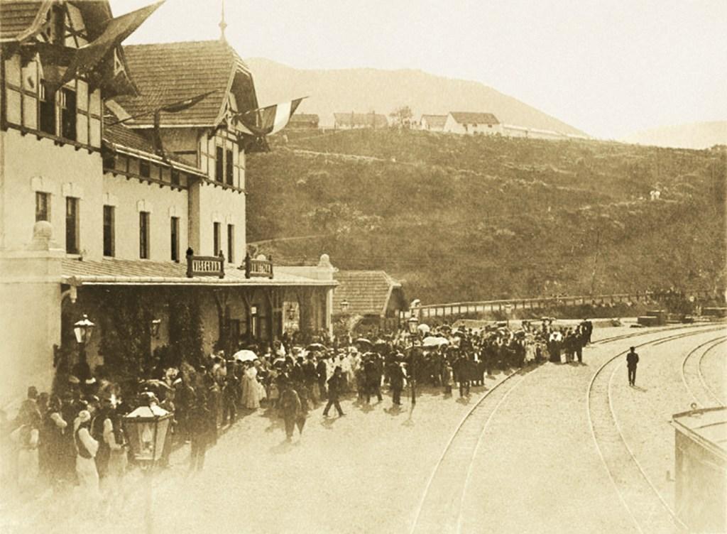 Открытие станции в 1906 году. Фото: автор неизвестен, public domain