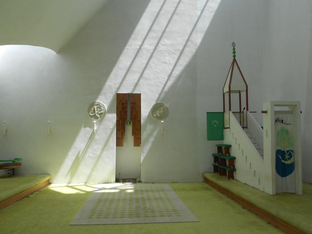 Белая мечеть в Високо по проекту Златко Углена. Фото: Елена Арсениевич, CC-BY-SA-3.0