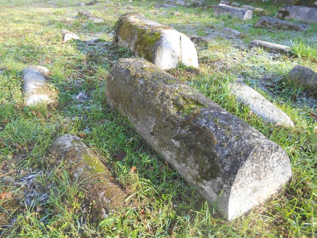 Надгробие по старой традиции