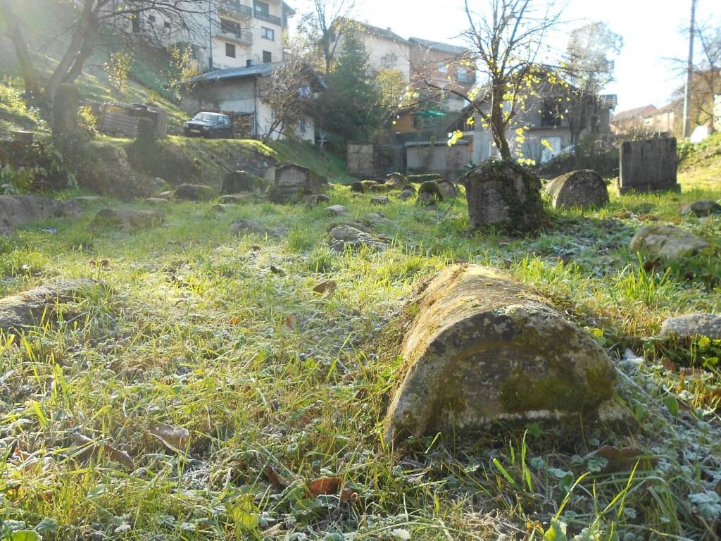 Кладбище в Бихаче