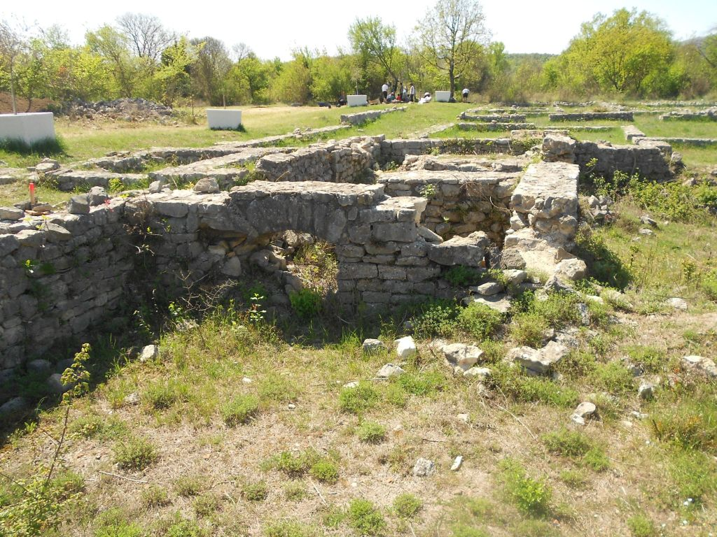 Остатки римского лагеря. Фото: Елена Арсениевич, CC BY-SA 3.0