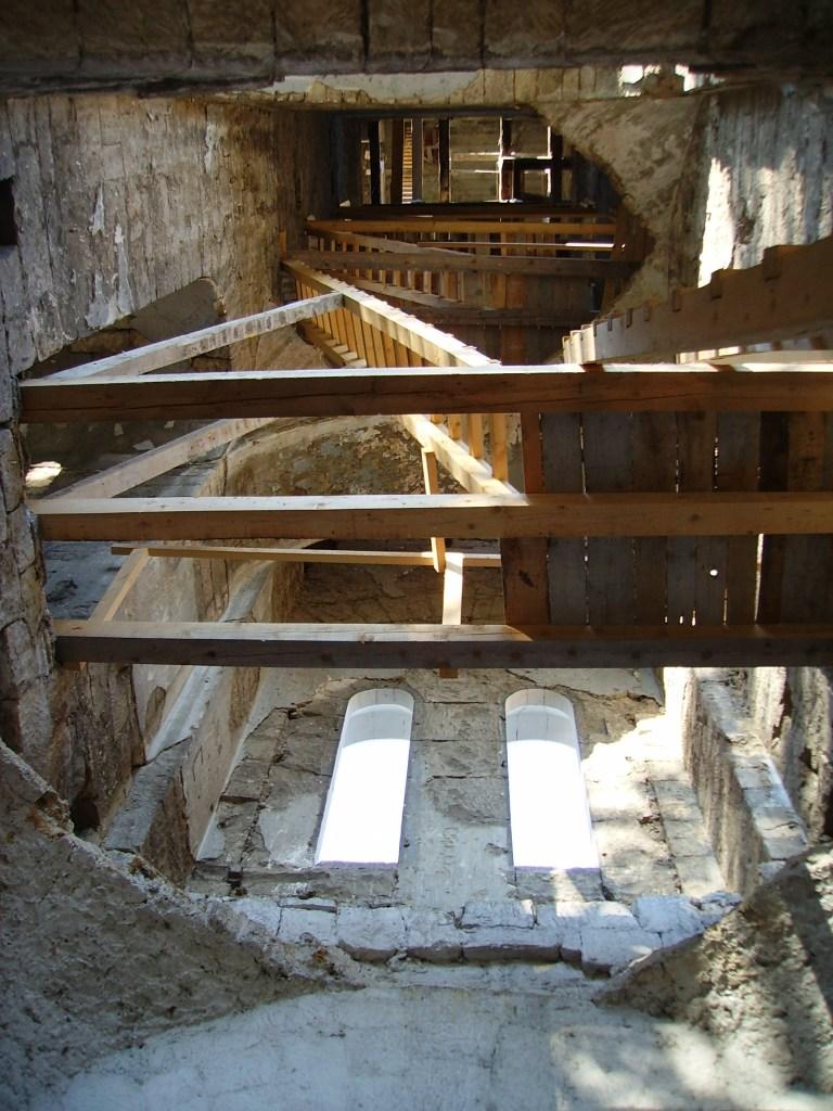 Внутри колокольни. Фото: Julian Nyča, CC-BY-SA-3.0-migrated