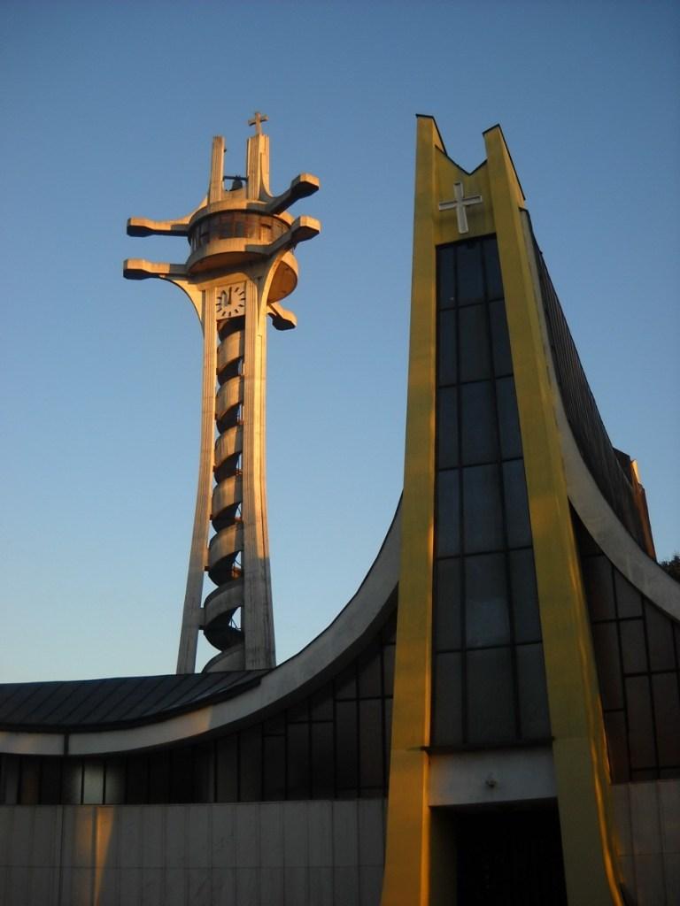 Кафедральный собор Св. Бонавентуры и его колокольня. Фото: Елена Арсениевич, CC BY-SA 3.0