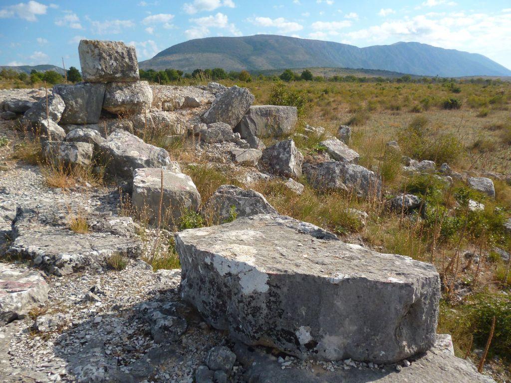 Каменные блоки. Фото: Елена Арсениевич, CC BY-SA 3.0