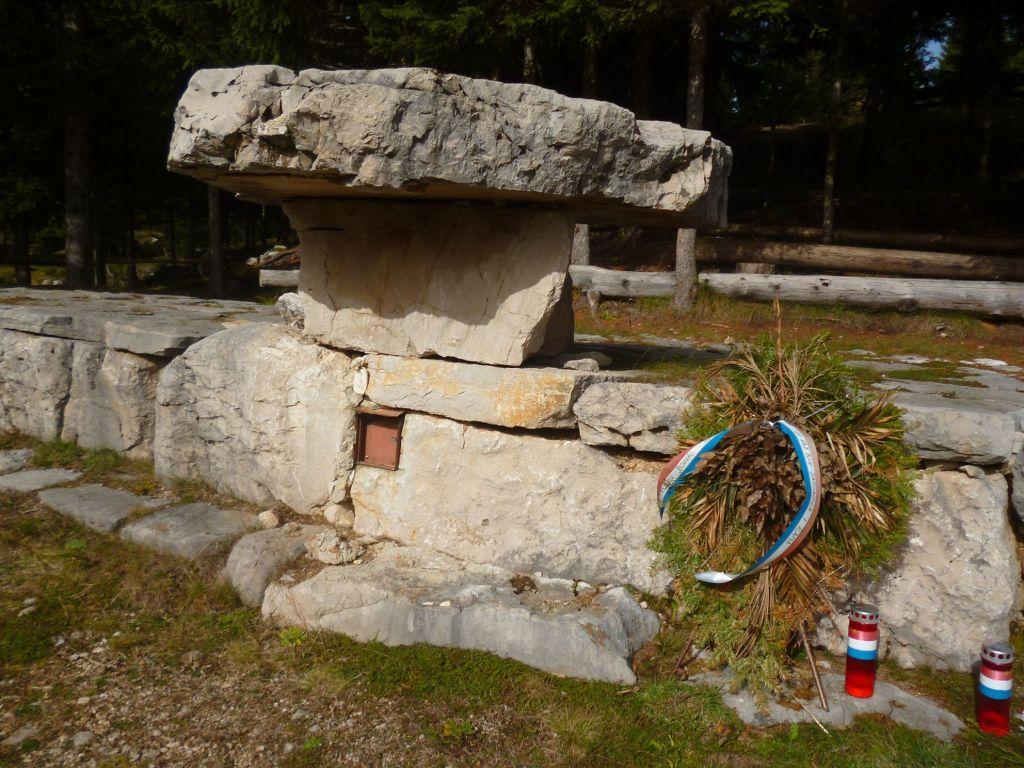 Каменный алтарь на Кеджаре. Фото: Елена Арсениевич, CC BY-SA 3.0