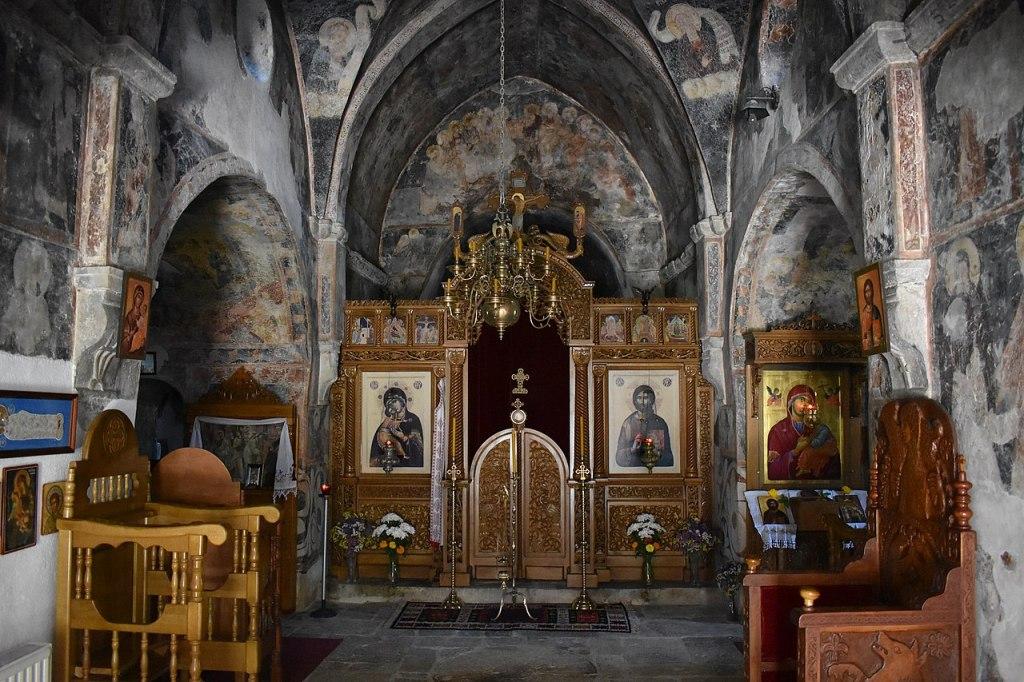 Интерьер добричевской церкви. Никола Парежанин, CC-BY-SA-4.0