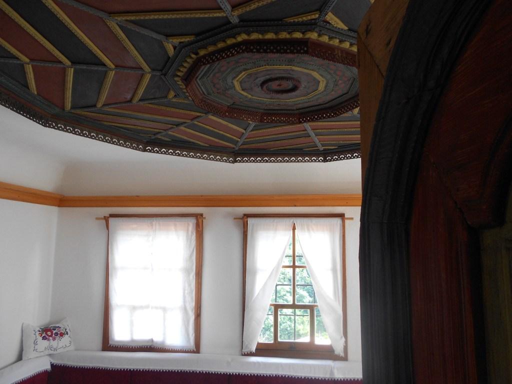 Потолок в конаке Эминагича. Тешань. Фото: Елена Арсениевич, CC BY-SA 3.0