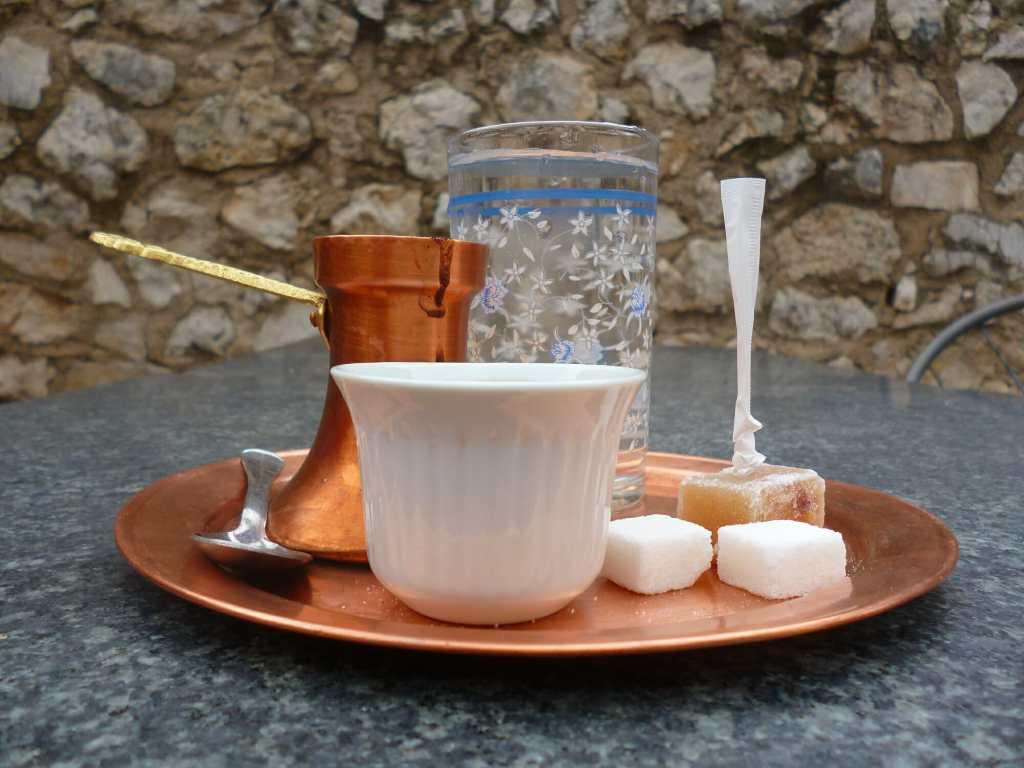 Кофе в Мостаре. Фото: Елена Арсениевич, CC BY-SA 3.0
