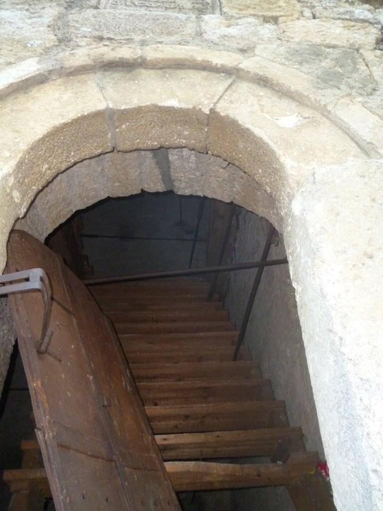 Лестница внутри башни. Фото: Елена Арсениевич, CC BY-SA 3.0