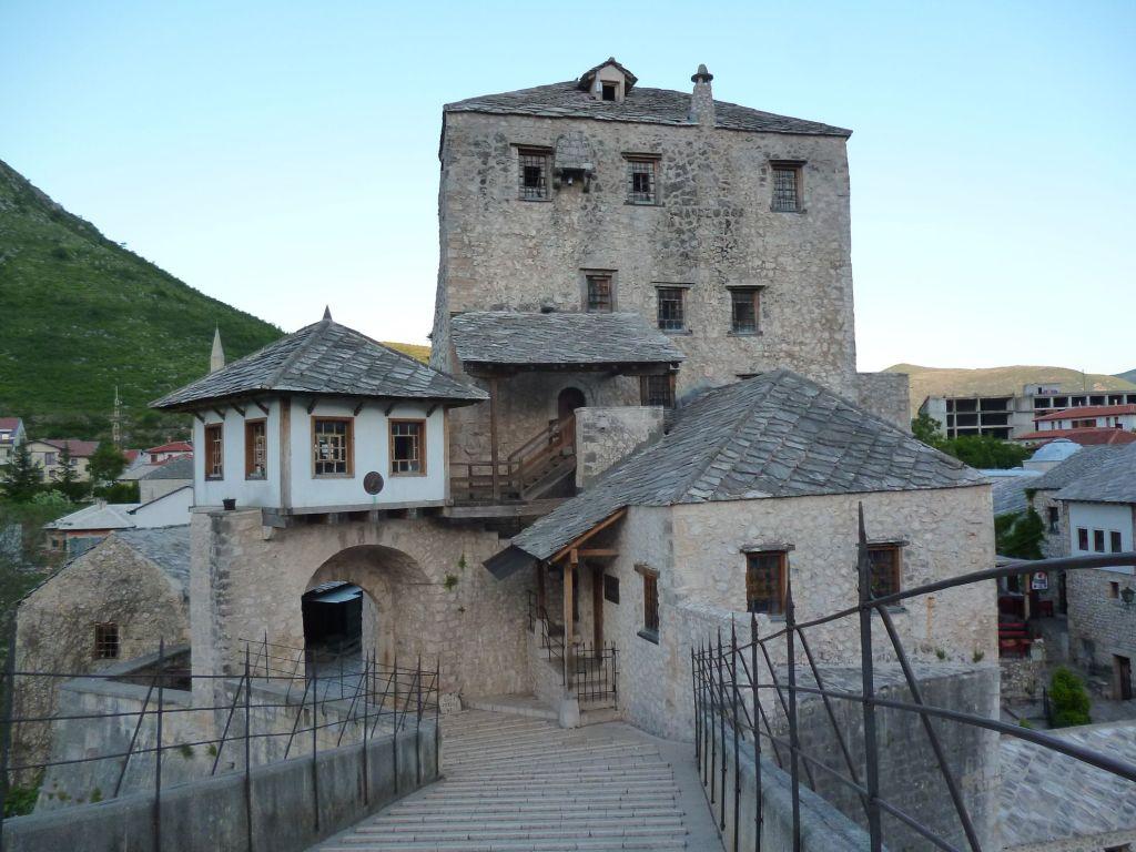 Башня Халебия и её окружение. Фото: Елена Арсениевич, CC BY-SA 3.0