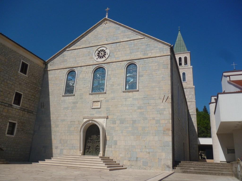 Монастырь Хумац. Старая церковь. Фото: Елена Арсениевич, CC BY-SA 3.0