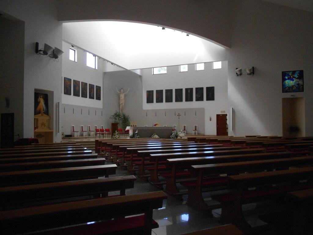 Интерьер новой церкви. Фото: Елена Арсениевич, CC BY-SA 3.0