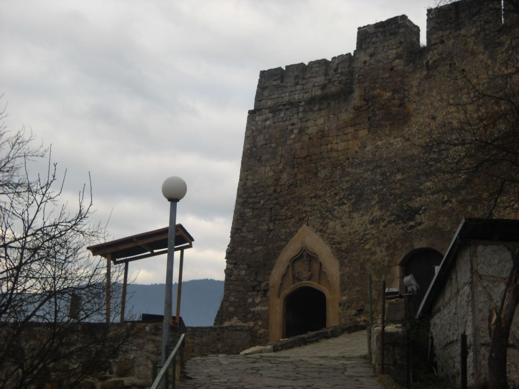 У входа в цитадель. Фото: Елена Арсениевич, CC BY-SA 3.0