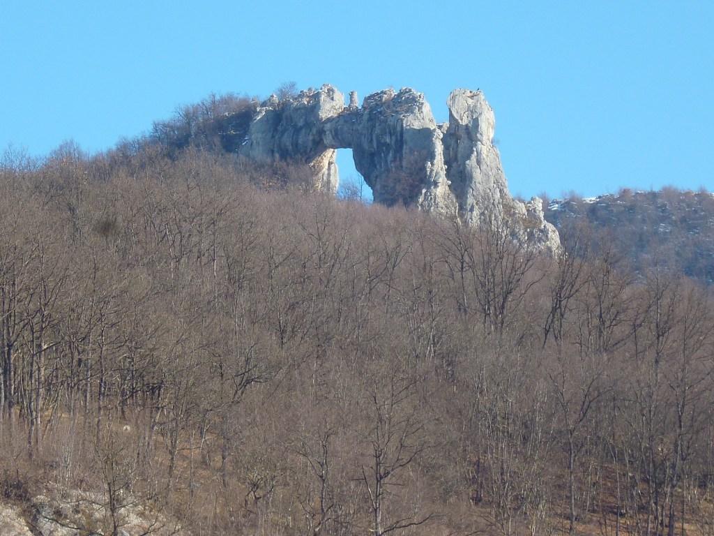 Скала Каменный мост. Фото: Елена Арсениевич, CC BY-SA 3.0