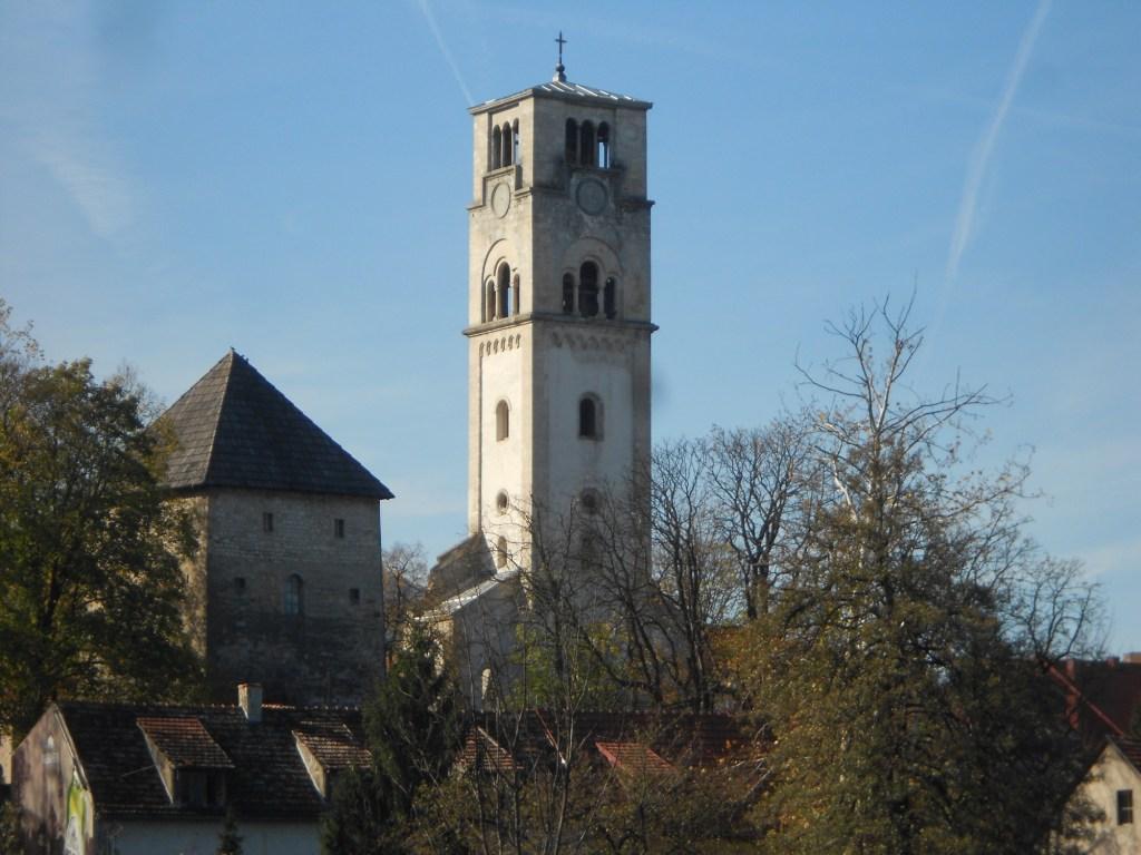 Две башни. Фото: Елена Арсениевич, CC BY-SA 3.0