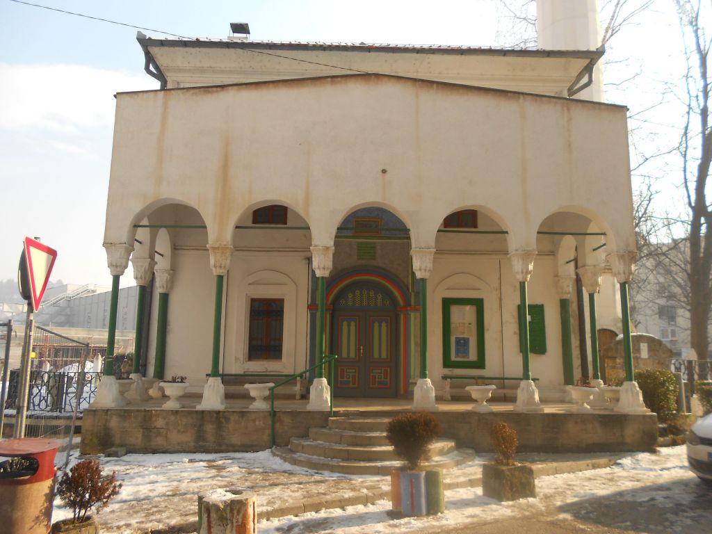 Крытое крыльцо Лукачской мечети. Фото: Елена Арсениевич, CC BY-SA 3.0