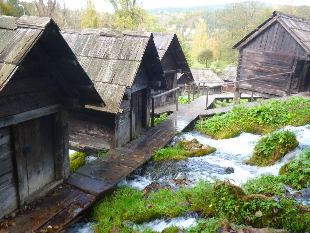 Мостики между мельницами. Фото: Елена Арсениевич, CC BY-SA 3.0