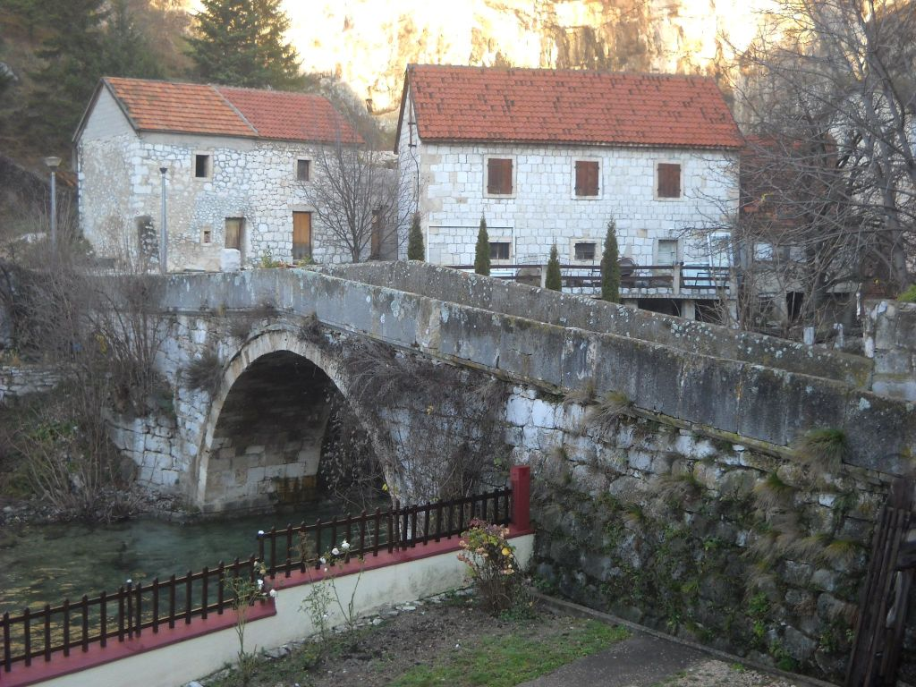 Старинный мост в Ливно. Фото: Елена Арсениевич, CC BY-SA 3.0