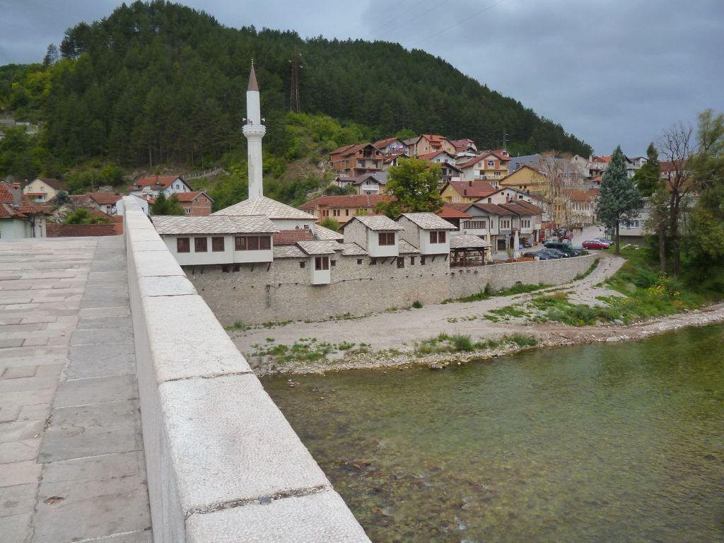 Старая чаршия на левом берегу. Фото: Елена Арсениевич, CC BY-SA 3.0