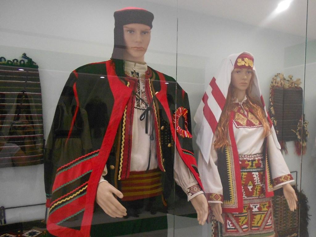 Традиционные костюмы. Фото: Елена Арсениевич, CC BY-SA 3.0