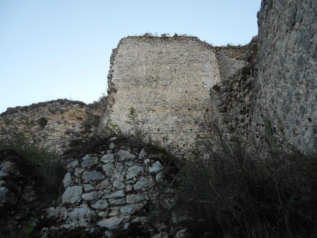 Стены и бастионы. Фото: Елена Арсениевич, CC BY-SA 3.0