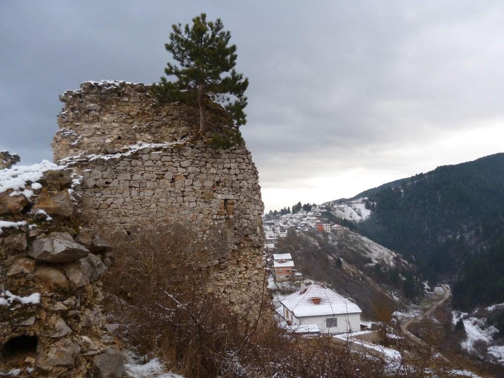 Крепость Прусац, башня второй линии обороны. Фото: Елена Арсениевич, CC BY-SA 3.0