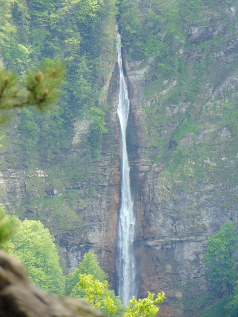 Водопад в горах Сутески. Фото: Елена Арсениевич, CC BY-SA 3.0