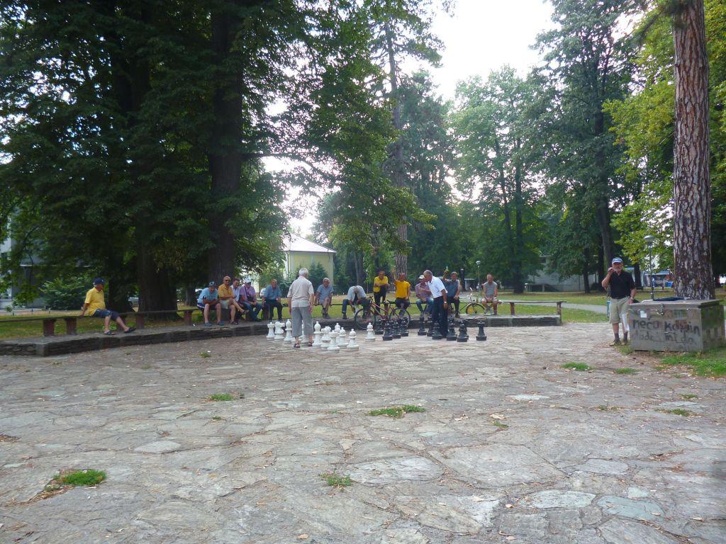 Большие шахматы в парке. Фото: Елена Арсениевич, CC BY-SA 3.0