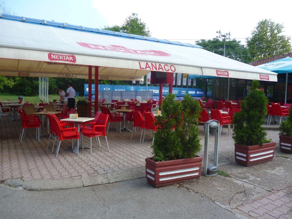 Парковое кафе. Фото: Елена Арсениевич, CC BY-SA 3.0
