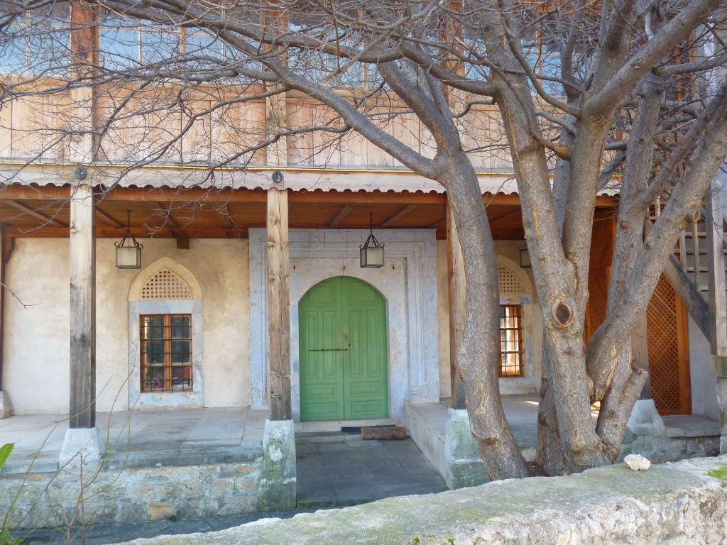 Хаджи-Куртова мечеть, фасад. Фото: Елена Арсениевич, CC BY-SA 3.0