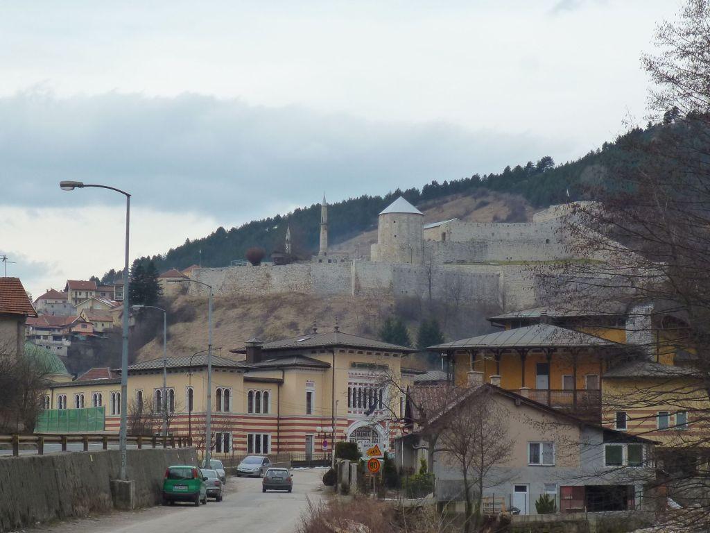 Крепость и медресе. Фото: Елена Арсениевич, CC BY-SA 3.0