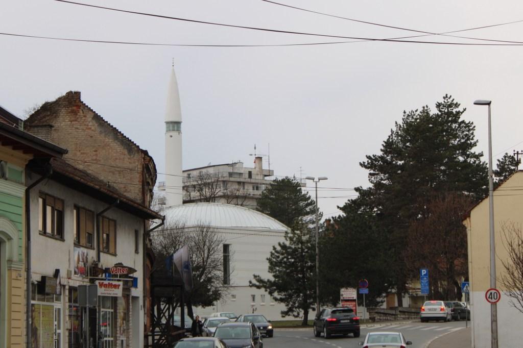 Новая мечеть в городской среде. Фото: Елена Арсениевич, CC BY-SA 3.0