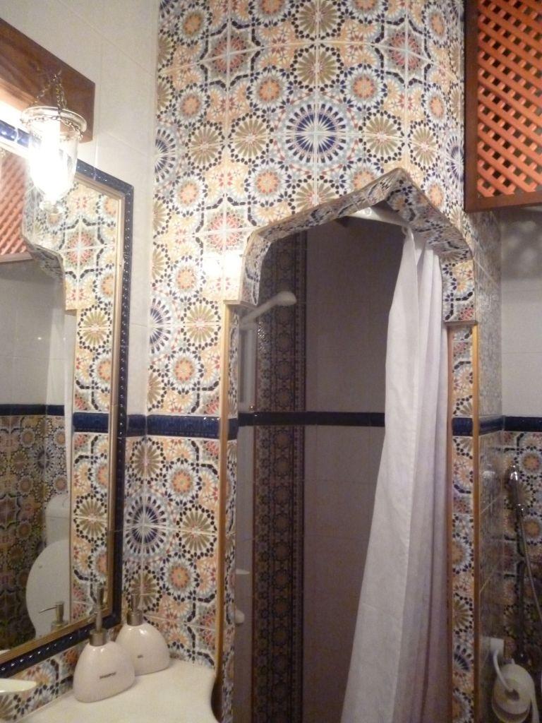 Ванная комната в гостиничном номере. Фото: Елена Арсениевич, CC BY-SA 3.0