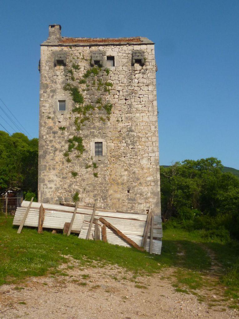 Башня-кула в Убоско. Фото: Елена Арсениевич, CC BY-SA 3.0