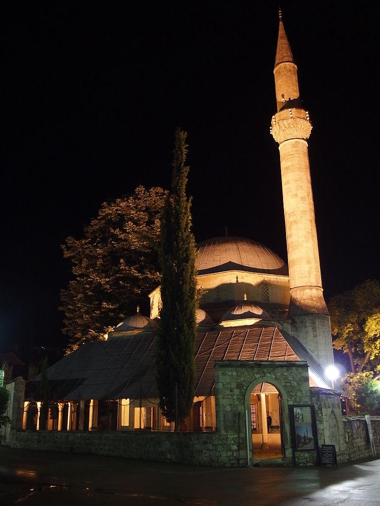 Караджозбегова мечеть в Мостаре. Mark Ahsmann, CC BY-SA 3.0