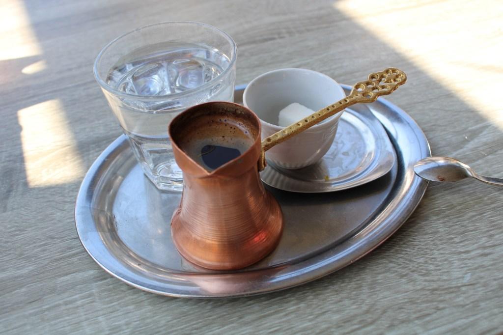Сервировка кофе. Фото: Елена Арсениевич, CC BY-SA 3.0
