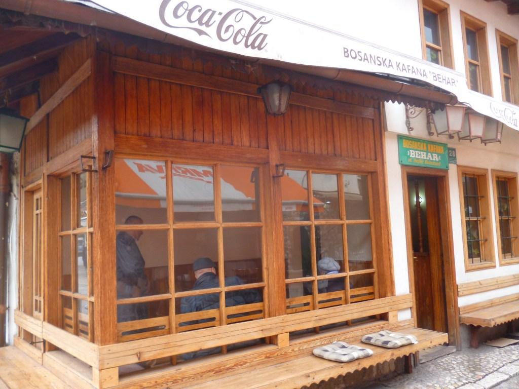 Традиционная кофейня на Башчаршии. Фото: Елена Арсениевич, CC BY-SA 3.0