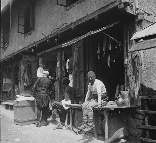 В ожидании покупателей. Rudolf Bruner-Dvořák, Public Domain