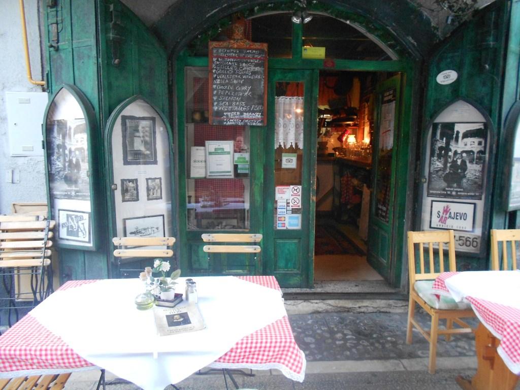 Ресторанчик на Чизмеджилуке. Фото: Елена Арсениевич, CC BY-SA 3.0