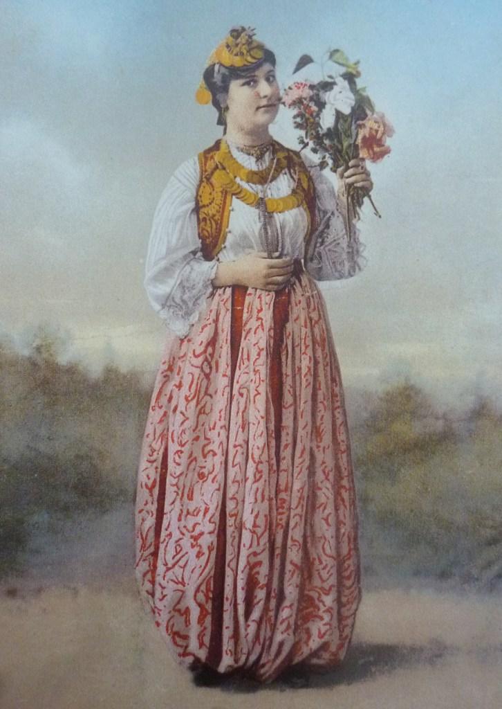 Боснийская девушка. Автор фото неизвестен, public domain