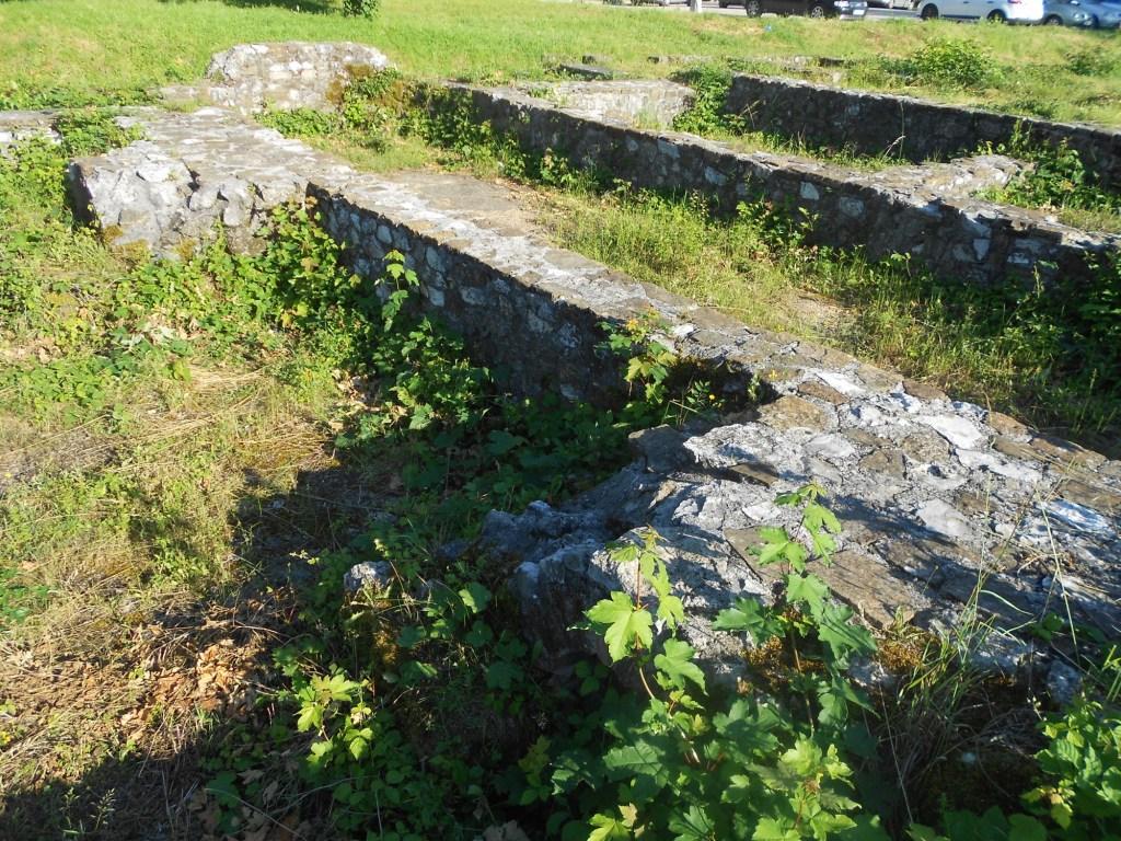 Остатки древнеримских зданий. Фото: Елена Арсениевич, CC BY-SA 3.0
