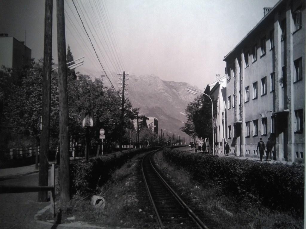 Железная дорога на месте нынешнего Бульвара. Автор неизвестен, public domain