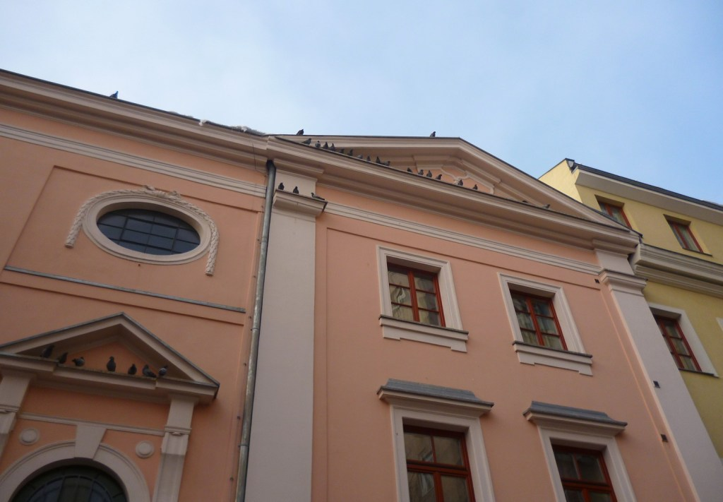 Церковь Царицы св. Розария, боковой фасад. Фото: Елена Арсениевич, CC BY-SA 3.0