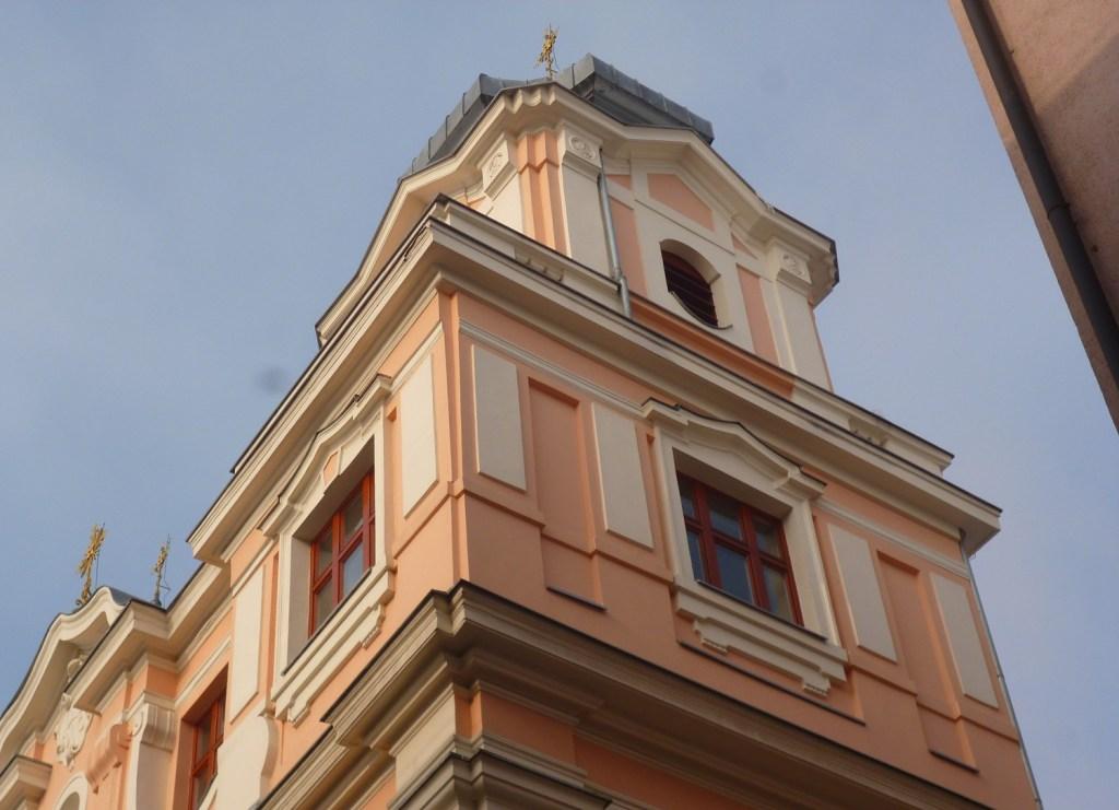 Церковь Царицы св. Розария, правая колокольня. Фото: Елена Арсениевич, CC BY-SA 3.0