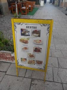 Предложение ресторана «Сёстры». Фото: Елена Арсениевич, CC BY-SA 3.0