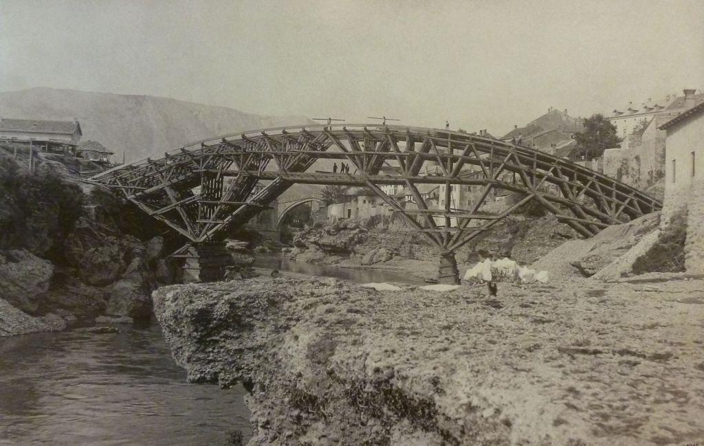 Строительство Лучского моста. Автор неизвестен, public domain